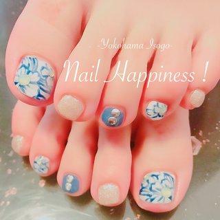 #おはなネイル #夏ネイルデザイン #フットジェル #春 #夏 #海 #リゾート #フット #フラワー #ホワイト #ブルー #シルバー #Nail Happiness!(ネイルハピネス)*ささきまき #ネイルブック