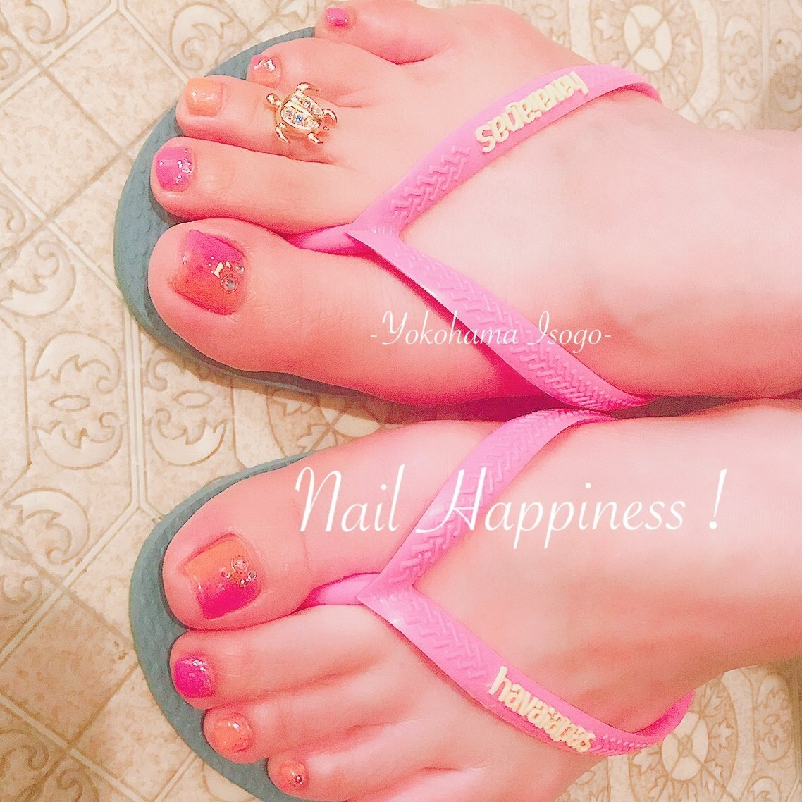 #グラデーションネイル #グラデーションフットネイル #夏フット2019 #春 #夏 #海 #浴衣 #フット #グラデーション #ラメ #ピンク #オレンジ #Nail Happiness!(ネイルハピネス)*ささきまき #ネイルブック