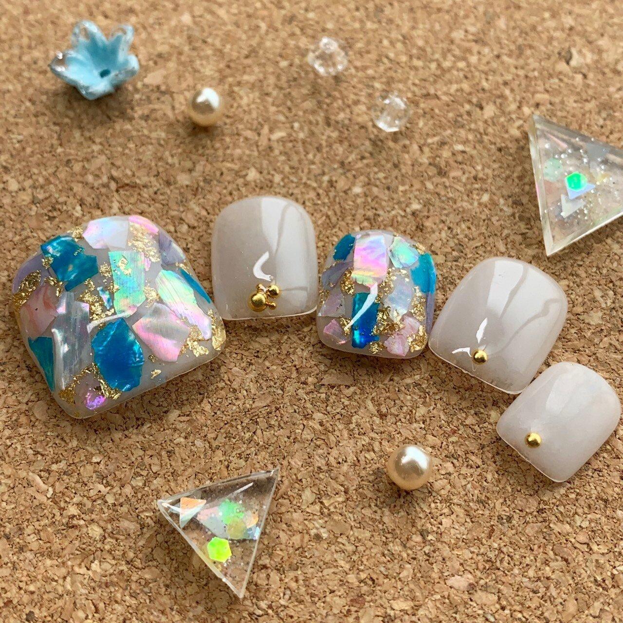 #夏 #海 #リゾート #フット #シェル #ホワイト #水色 #ブルー #ネイルチップ #Saori Inoue #ネイルブック