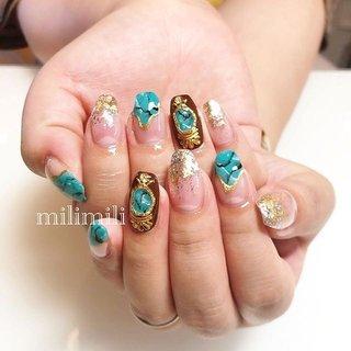 . . 派手めネイルが好きなお客様♥ いい感じの派手さがおしゃれ!夏らしく仕上がりました🌞 いつもありがとうございます❣️ . . . #nail#simplenails#onecolornail#summernails#longnails#stonenails#turquoisenails#goldnails#frenchnails#ネイル#大人ネイル#大人可愛いネイル#上品ネイル#可愛いネイル#シンプルネイル#ロングネイル#大理石ネイル#ターコイズネイル#派手ネイル#ゴールドネイル#夏ネイル#鹿児島#鹿屋#都城#日南#串間#志布志#志布志ネイル#志布志脱毛#milimili #夏 #旅行 #海 #リゾート #ハンド #変形フレンチ #グラデーション #ラメ #タイダイ #大理石 #ミディアム #ターコイズ #ゴールド #シルバー #ジェル #milimili #ネイルブック