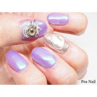 紫陽花カラーのような綺麗な紫色に シルバーのフラワーパーツを合わせたアートを。  いつも10本に、パーツをたくさん付けているお客様からすると シンプルだけどシンプルじゃないアートの出来上がりです♪     #パープル #パープルネイル #紫陽花ネイル #紫陽花カラー #紫 #シルバー #ネイルパーツ #パーツアート #ミラーネイル #ワンカラー #福岡ネイルサロン #福岡市早良区ネイルサロン #福岡 #定額制ネイル福岡 #自宅ネイルサロン #セルフネイルスクール福岡 #パーツがたくさんあるサロン #オールシーズン #ハンド #ワンカラー #フラワー #アンティーク #ミラー #ショート #パープル #シルバー #ジェル #お客様 #Pea Nail☆mako #ネイルブック