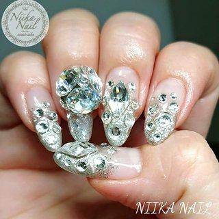 myネイル♡change 7/2 右Nailをラメグラon盛り盛りストーン♪ #gel #gelnail #gelart #nail #nails #naildesign #nailart #nailartist #nailbook #glitternails #silvernails #stonenails #盛り盛りネイル #vカットストーンネイル #ゴテゴテネイル #ギラギラネイル #格安ネイル #夏ネイル #ジェルネイル #美甲 #niika_nail #板橋区中台 #志村三丁目 #ツヤツヤ #キラキラ #可愛い #シンプル #夏 #パーティー #デート #女子会 #ハンド #ラメ #グラデーション #ビジュー #ミディアム #シルバー #ジェル #セルフネイル #Sa7e_Kurihara #ネイルブック
