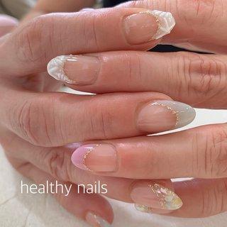 #人気デザイン #夏 #海 #リゾート #ハンド #フレンチ #シェル #スターフィッシュ #アイシング #ホワイト #スモーキー #ジェル #お客様 #healthy nails #ネイルブック