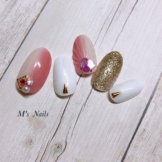 縦グラデーションネイル✨ ・ ・ ・ ・ +……………………………………………………………......+ 〜M's Nails〜 プライベートサロン💅 @msnails1016  ご予約・お問い合わせ♡ 🎀LINE ID・・@fbj1732b 📩メール・・msnails1016@gmail.com  皆様のご来店、お待ちしております(*´∀`)✨ +………………………………………………………………....+ #m'snails#エムズネイルズ#熊谷市#熊谷#熊谷ネイルサロン#自宅サロン#完全個室#お子様連れ大歓迎#ネイルケア#ケア重視#爪に優しいジェル#オフ無料#ご新規様大歓迎#定額制ネイル#フリーオーダー#お持ち込みデザインok#低価格#nail#ジェルネイル#2019#リーフジェル#agehagel#リッカジェル#夏ネイル#縦グラデーション#ココイスト #ピンクグラデ#マーメイド#summer#リゾート#シェルストーン#シェル#人魚の鱗 #夏 #海 #リゾート #浴衣 #ハンド #グラデーション #ラメ #シェル #人魚の鱗 #アイシング #ホワイト #ベージュ #ピンク #ネイルチップ #M's Nails〜private nail salon〜 #ネイルブック