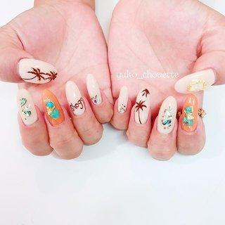 夏っーーーーー🏝🏝🏝!!! .  アクセントに入れたテラコッタオレンジがとっても素敵🧡 .  夏を詰め込んだ大人の元気デザインになりました♪ .  日焼けした肌に似合うベージュも取り揃えております😆✨ .  マリンスポーツをされるお客さまからのご要望で、長さ出しの指は強度マシマシで…(`・ω・´)⭐️ . ____________________ . Available in English! You can book an appointment at my shop on lnstagram. Just send me a direct message! ■Chouette Nail Salon■ Omotesando Tokyo Japan . ご予約はDM、LINE@にて承っております! . ✳︎詳細はホームページでご紹介しております。 プロフィール画面からご覧ください! .  #nail#nailart#nails#naildesign#gelnail#gelnails#gel#instanails#nailstagram#storyjel#storygel#ストーリージェル#ネイル#ネイルアート#ネイルデザイン#ジェルネイル#젤네일#네일#네일스타그램#美甲#夏ネイル#シュエット#シュエットネイル#シンプルネイル#表参道ネイル#ヤシの木ネイル#海ネイル#海#ターコイズネイル#ターコイズ #夏 #旅行 #海 #リゾート #ハンド #ワンカラー #イニシャル #大理石 #トロピカル #マリン #ロング #ベージュ #オレンジ #ブラウン #ジェル #お客様 #yuko_nail_chouette #ネイルブック