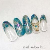 ジャスミンイメージネイル 薬指はネックレスです☆ #夏 #ハンド #水色 #ブルー #ゴールド #ネイルチップ #nailsalon_hui #ネイルブック