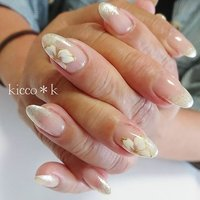 シンプルにかっこ良く!  #シンプルネイル  #オフィスネイル  #yukimi先生 風 #フラワーネイル  #グラデーション #bellaforma 019  #flowersnails #goldnails #coolnails #nail #nails #nailsalon #beauty #instanails #nailswag #nailstagram #nailart #naildesign #gelnails #manicurist #ネイル #ネイルデザイン #大人ネイル #ジェルネイル #ネイルサロン #八潮市 #八潮ネイル #八潮ネイルサロン #自宅サロン #kicco_k #オールシーズン #オフィス #デート #女子会 #ハンド #グラデーション #フラワー #ミディアム #ホワイト #ゴールド #ジェル #お客様 #kicco_k.nail #ネイルブック