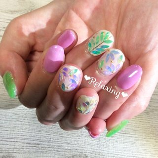⭐︎ お客様ネイル😊  「夏っぽくて、可愛いネイル💕」 ・ ・ #🌿 #花 #夏ネイル #きみどり#ピンク #ジェルネイル #夏 #ラメ #ネオン  #フットケアサロンりあ #フットケアサロンrelaxing #relaxing #リラクシング #yellow #pink #neon #gel#bohemian #nailart #glitter #钉子 #可爱 #네일 #귀여운 #일본  ・ ・ ご予約はDM📩を❤️ ☆ ★ ˚✧₊⁎MAMI⁎⁺˳✧༚ #夏 #旅行 #海 #浴衣 #ハンド #シンプル #ホログラム #ラメ #フラワー #ビジュー #ミディアム #ホワイト #ピンク #ネオンカラー #ジェル #お客様 #🌱フットケアサロン Relaxing(リラクシング)🌿 #ネイルブック