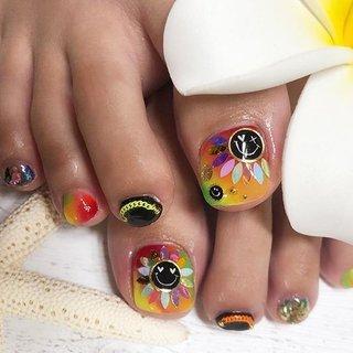 私とお揃い〜💕💕😆 , 気に入ってたデザインだからお揃いにしてくれたのが嬉しい😆💕💕 私の指はブサイクだけど、お客様は指も爪もキレイだから写真映えする!!❤️❤️ , 夏のネオンカラーやレインボーは可愛い❤️ , #lucasnail #ルカネイル#名古屋ネイルサロン#ネイル#名古屋市南区#ネイルアート#トレンドネイル#野並#鶴里#ネイルサロン #ネイリスト#名古屋市緑区#名古屋市天白区#nail#名古屋ネイル#お任せネイル#派手ネイル#フットネイル夏 ネイル#夏ネイル#gel#南区#緑区#天白区#ネイルサロン名古屋#にこちゃんネイル #カラフルネイル #レインボーネイル #ネオンネイル #スマイリーネイル #フットネイル #夏 #オールシーズン #リゾート #女子会 #フット #ホログラム #キャラクター #チェーン #ショート #オレンジ #ネオンカラー #ビビッド #ジェル #お客様 #LUCAS NAIL #ネイルブック