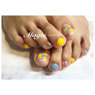 #イエローネイル#ピーコック#ミラーネイル  黄色が入ってとても可愛いです♡ #フット #ピーコック #ショート #イエロー #ブルー #パープル #ジェル #お客様 #magie0628 #ネイルブック
