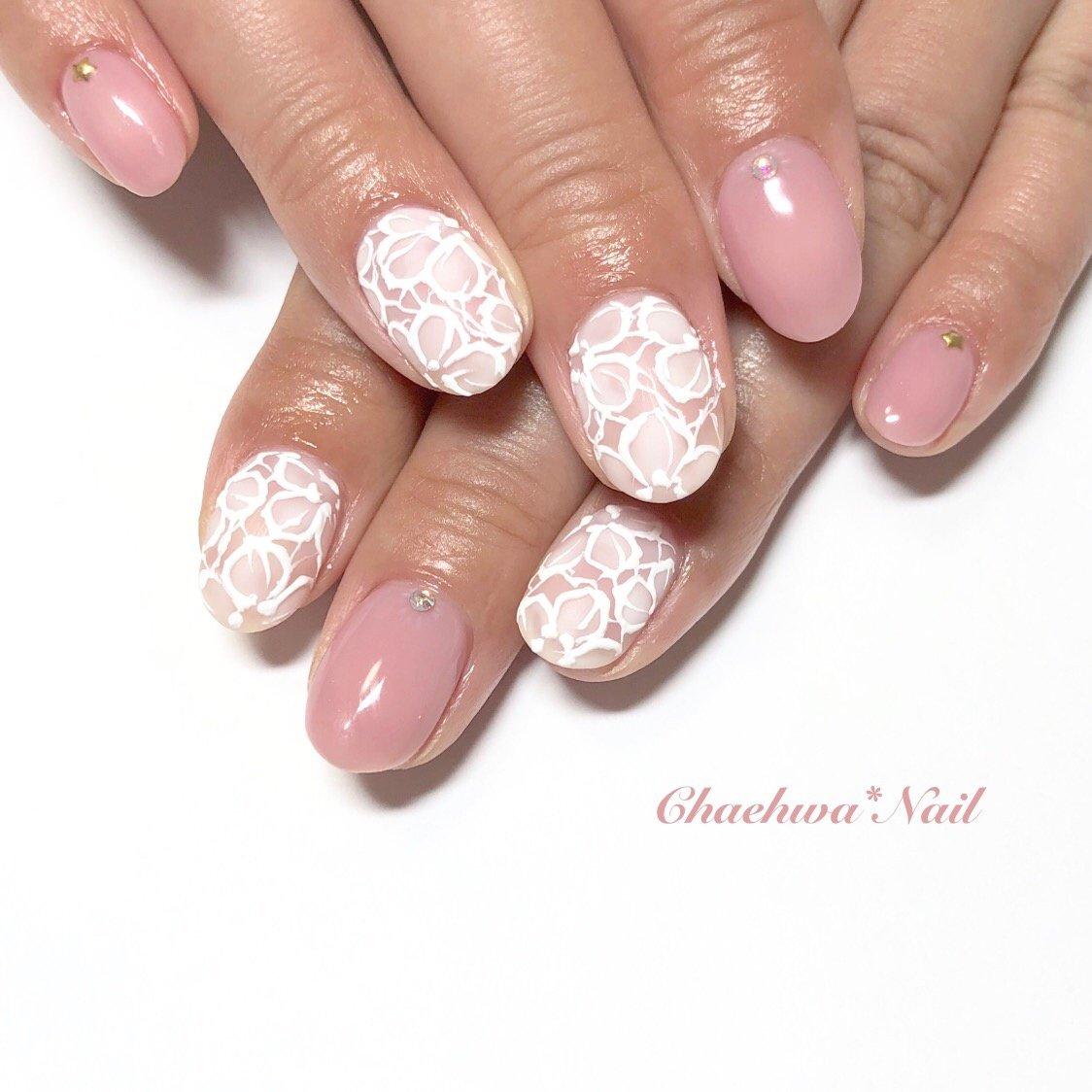 ピンク×お花レース♡  . #nails #naildesign #nailart #instanails #instagood #color #pink #art #painting #beige #cute #flower #chaehwanail #ネイル#ネイルデザイン #大人可愛い #お花レース #フラワー #レースネイル #ピンク #オフィス #カラー #手書き #川崎ネイルサロン #네일#네일아트#네일스타그램#손스타그램 #꽃 #아트 . ご予約は↓からお願いします! *LINE@ : @chaehwa_nail(@から検索) *Instagram DM : @chaehwa_nail *プロフィールからネイルブックに飛んでネット予約が可能です! . ご連絡お待ちしております(*´꒳`*)♪ Chaehwa*Nail #春 #夏 #オールシーズン #デート #ハンド #ワンカラー #フラワー #レース #ミディアム #ホワイト #ピンク #ジェル #お客様 #chaehwa_8127 #ネイルブック