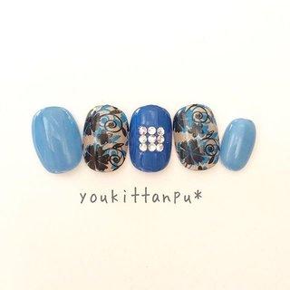 #大人可愛い #フラワー   bella  bella  イタリア語で「美しい」を意味するベッラ。  blue, black & beautiful    ✨ ✨ ✨   大人の女性のための ジェルネイルチップのお店 youkittanpu*(ゆうきったんぷう)   ネイルチップ(つけ爪)のオーダーは ミンネ、クリーマ、ラクマにて承ります。  #ラクマ招待コード aCGkd 招待コードで100P♪   ✨ ✨ ✨   🌸御衣装に合わせて🌸  おまかせデザインオーダー承ります。     ジェル ネイルチップ 結婚式 入学式 卒業式 お呼ばれ お出かけ ブルー ブラック ベージュ きらきら ビジュー 青 黒 花柄 上品 ニュアンス 春 夏 秋 冬 シンプル つけ爪  #春ネイル #ピンク #シンプルネイル #シンプル #ラメ #さくらネイル #ニュアンス #大人可愛い #ワンカラー #レース #グラデーションネイル #グラデーション #フットネイル #ニュアンスネイル #フレンチ #フット #桜ネイル #桜 #花 #オフィスネイル #フラワー #フラワーネイル #大人ネイル #ネイルチップ販売 #ネイルチップ #つけ爪 #人気 #ブライダル #ウェディング #結婚式 #フォーマル #成人式ネイル #ブライダルネイル #ウェディングネイル #ナチュラル #上品ネイル #派手ネイル #大人ネイル #春 #夏 #秋 #冬 #インスタ映え #華やか #入学式 #入園式 #大人 #youkittanpu* #youkittanpu*ブライダル  画像:ちびつめベリーショート #夏 #成人式 #ブライダル #パーティー #ハンド #グラデーション #ラメ #ビジュー #フラワー #シースルー #水色 #ブルー #ゴールド #ジェル #ネイルチップ #ジェルネイルチップのお店 youkittanpu*(ゆうきったんぷう) #ネイルブック