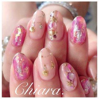 pinknails 💍   #夏ネイル     Instagram → yochan4.nail #夏 #海 #リゾート #女子会 #シェル #ニュアンス #スターフィッシュ #ホイル #オーロラ #ピンク #YokoShikata♡キアラ #ネイルブック