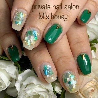 お客様ネイル💅🏼 . .#シェル .#グリーン .#夏ネイル  . private nail salon M's honey . 「綺麗な爪ですね」と言って頂けるネイルを💅🏼 ※東大阪 河内花園徒歩3分 ※完全プラべートサロン 完全予約制 ご予約&お問合せはLINEかDMにてお願い致します。 LINE ID→@mshoney 📱→090-9692-8221 ※施術中は電話に出る事が出来ません!留守番電話にお名前とご用件を残して頂ければ折返しご連絡させて頂きます。(番号通知をお願いします) . #エクセレントマニキュア#nailbook #艶ネイル#ナチュラルネイル #スワロフスキー#SWAROVSKI #シンプルネイル#東大阪ネイルサロン #フィルイン#ビジューネイル #美フォルム#美甲#美爪ネイル #マオジェル#maogel#オフィスネイル #大人可愛い#上品ネイル#nailbook #マオジェル導入サロン東大阪 #マオジェル導入サロン大阪 #maogel導入サロン東大阪 #東大阪自宅サロン#夏ネイル2019 #💅🏼#東大阪ネイルサロン #パワーストーンネイル #東大阪#若江岩田ネイル #東花園ネイル# #花園ネイル#河内花園ネイル #nb18511432d591 #ネイルブック
