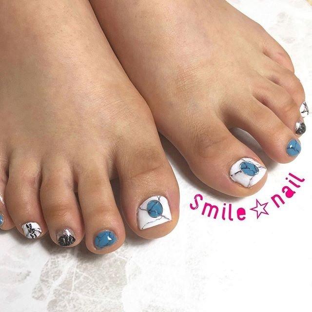 大田原定額ネイルサロン Smile☆nailのyukariです(*^^*) サンプルからお選びいただきました♪フラット目な仕上がりに変更して、パーツは高さが出ないように作りました💡 いつもご来店ありがとうございます😊 ☆,。・:*:・゚'☆,。・:*:・゚'☆,。・:*:・゚' #smilenail #スマイルネイル #大田原市ネイルサロン #大田原市ネイル #大田原ネイルサロン #大田原ネイル #大田原定額ネイル #那須塩原ネイル #那須塩原ネイルサロン #ネイルサロン #西那須野ネイルサロン #お洒落ネイル #個性派ネイル #派手カワネイル #オーダーチップ #nailpic #美爪 #ミンネ #minne #nailbook #ネイリスト仲間募集 #ネイル好きな人と繋がりたい #夏ネイル #天然石ネイル #ターコイズネイル ☆,。・:*:・゚'☆,。・:*:・゚'☆,。・:*:・゚' HPはプロフィールのURLから☆ #ネイルブック からご予約出来るようになりました❤️ ☆,。・:*:・゚'☆,。・:*:・゚'☆,。・:*:・゚' ラクマでピアス ミンネでネイルチップを販売してます ٩( ᐛ )و  ネイルチップ→ミンネ https://minne.com/5116ykr (スマイルネイルで検索‼︎) ピアス→ラクマ https://fril.jp/shop/Smile_bijou (スマイルビジュー ネイリストで検索‼︎) #夏 #海 #リゾート #女子会 #フット #アンティーク #ボヘミアン #大理石 #チェーン #ホイル #ショート #ホワイト #ターコイズ #メタリック #ジェル #お客様 #Smile☆nail #ネイルブック