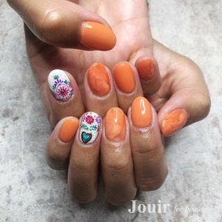 #ハンド #エスニック #ネイティブ #ボヘミアン #ホワイト #オレンジ #カラフル #Jouir for beauty - hair nail eyelash- #ネイルブック