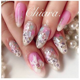 キラキラ✨  #flowernails 💍♡  (スライド4枚目にMovie有📹💋♥︎)   #nails#nailart#japannail#beauty#beautiful#flowernails#pinknails#nailbook#fashion#gelnails#naildesign#美爪#美甲#フラワーネイル#お花ネイル#奥行きネイル#手描きネイル#手描きアート#シェルネイル#キラキラネイル#ピンクネイル#リボンネイル#ネイルブック#ネイルデザイン#ネイル#chiaranails      Instagram → yochan4.nail #春 #夏 #オールシーズン #梅雨 #フラワー #シェル #ピンク #カラフル #YokoShikata♡キアラ #ネイルブック