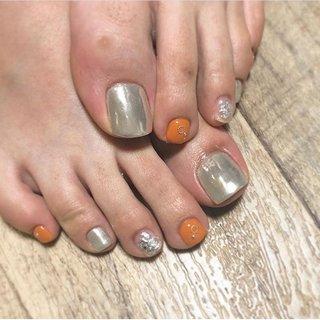 ♡ . お客様ネイル✨ . #フットネイル ご予約増えてます❣️ #ミラーフットネイル #銀箔ネイル #foot #🦶 いつもありがとうございます💖 . フットネイルのお付け替えは 1.5ヶ月前後 ハンドネイルのお付け替えは 3〜4週間のタイミングが オススメです!! #健康的なお爪  でネイルを楽しんで頂けるよう 衛生面も考えてお付け替えを お願いいたします☺️💕 . ついつい眺めてしまう指先へ…☆ . . #ネイル#ネイルサロン#福岡#福岡ネイルサロン#福岡ネイル#今泉ネイル#リノア#Linoa#1級ネイリスト#ゴージャスネイル#オフィスネイル#ジェルネイル#美容室ネイル#美容室#paypay使えます#大人ネイル#今泉#nails#네일#フットネイル乗せ放題#お洒落さんと繋がりたい #Nail salon Lino*a #ネイルブック