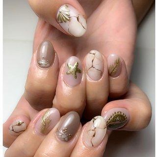 秋リゾート  初回オフ込(ハンド) ジェルやり放題…5500円  . #ネイル #nail #nails #nailstagram #nailart #likesf4f #followme #beauty#gelnail#hawaii #ハワイ好きな人と繋がりたい#ジェルネイル #ネイルアート#秋ネイル #ネイルデザイン#手描きアート # #いいね返し #ラメネイル #ミラーネイル #クリアネイル #美容 #おしゃれさんと繋がりたい #板橋区 #ネイルサロン #プライベートサロン #自宅ネイルサロン#大人ネイル #リゾートネイル #大理石 #天然石 #ジュエリーネイル #秋 #海 #リゾート #デート #ハンド #ワンカラー #シェル #大理石 #スターフィッシュ #ボタニカル #ショート #ブラウン #グレージュ #ゴールド #ジェル #お客様 #flowersnail #ネイルブック