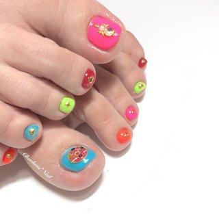 ネオン×セーラームーン♡ フットは派手くらいが可愛い♡ . #nails #naildesign #nailart #instanails #instagood #instagram #footnail #neon #painting #nailstagram #likeforlikes #sailormoon #chaehwanail #ネイル#ネイルデザイン #フット #フットネイル #ネオンカラー #セーラームーンネイル #セーラームーン #派手ネイル #カラフル #カラー #シースルー #川崎ネイルサロン #네일#네일아트#네일스타그램 #젤네일 #발스타그램 . ご予約は↓からお願いします! *ネイルブックネット予約(プロフィールのURLから予約可能!) . お問い合わせは↓からお願いします! *LINE@ : @chaehwa_nail(@から検索) *Instagram DM : @chaehwa_nail . ご連絡お待ちしております(*´꒳`*)♪ Chaehwa*Nail #オールシーズン #旅行 #ハロウィン #パーティー #フット #ワンカラー #ビジュー #ミディアム #カラフル #ネオンカラー #ジェル #お客様 #chaehwa_8127 #ネイルブック