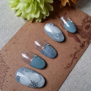 #変形フレンチ #フラワー #ジェル #nail garden... #ネイルブック