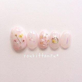 #もやもや #ピンク #押し花 ・  新作*ふんわり押し花ネイル ピンク💐 . ふんわりピンクのベースカラー 小花の押し花やシェルをちりばめた可憐なデザインです。 . . . . ネイルチップのオーダーは ミンネ、ラクマ、クリーマから承ります🌸 . #ラクマ招待コード aCGkd 招待コードで100P♪ . . 「youkittanpu」で検索できます🔎 . (ゆうきったんぷう) . . . ただいま発送まで2週間くらいです(目安)。 . お急ぎ制作承ります。 【Aちょ急ぎ】【B特急】【C超特急】 . . . . ***ドレス・お着物に合わせて*** . おまかせデザインオーダー承ります。 . ハイライトをご参照ください🌷 . . . . #ネイルチップ #ネイルチップ販売 #秋ネイル #ネイルデザイン #ブライダルネイル #ウェディングネイル #結婚式ネイル #秋婚 #冬婚  #成人式ネイル #押し花ネイル #フラワーネイル #ドライフラワーネイル #アラフィフコーデ #ピンクネイル #ニュアンスネイル #もやもやネイル #シェルネイル #ワンカラーネイル #花嫁ネイル #大人可愛いネイル #上品ネイル #ネイルチップオーダー #秋コーデ #naillife #美甲 #甲片 #네일 #youkittanpu #秋 #成人式 #ブライダル #パーティー #ハンド #グラデーション #フラワー #ニュアンス #ブローチ #押し花 #ショート #ホワイト #クリア #ピンク #ジェル #ネイルチップ #ジェルネイルチップのお店 youkittanpu*(ゆうきったんぷう) #ネイルブック