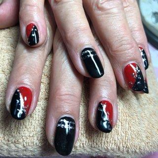#ブラック✖️レッドネイル #かっこいいね💋 #秋 #冬 #パーティー #ハンド #ワンカラー #バイカラー #プッチ #ブロック #和 #ミディアム #レッド #ブラック #ジェル #お客様 #nails-YOUMELON #ネイルブック