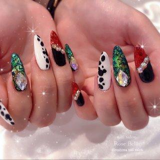 美爪なお客様👏全部自爪です💅    ヴィランズネイル😈  ギラギラ感がかっこよくて可愛いー😍       Instagram→@masamin_nail  LINE→417rose   お問い合わせやご予約など何かありましたら お気軽に連絡ください(^^)  ※キャラクターなどのアートをご希望の際はご予約時にお申し付けくださいませ。  。.・◆・.。*†*。.・◆・.。*†*。.・◆・.。    #秋ネイル#オータムネイル#冬ネイル#広島ネイル#広島ネイルサロン#広島市南区ネイルサロン#広島#ガーリーネイル#ガーリー#シンプル#シンプルネイル#オフィスネイル#オフィス#ブライダル#ブライダルネイル#結婚式#花嫁ネイル#ディズニーネイル#ディズニー#ヴィランズネイル#ヴィランズ#キャラクター#キャラクターネイル#キャラネイル#グリッターネイル#隠れミッキー#痛ネイル #秋 #冬 #ハンド #ホログラム #ラメ #ビジュー #痛ネイル #キャラクター #スーパーロング #レッド #グリーン #ブラック #ジェル #お客様 #RoseBellir(広島市南区) .*・゚まさみん.゚・*. #ネイルブック