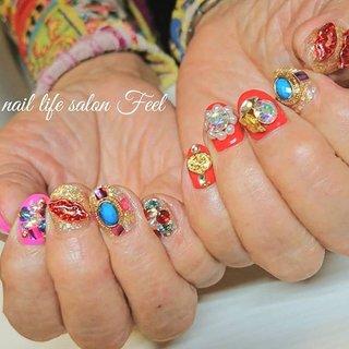 Bijouてんこ盛り💅✨✨✨ #福井ネイル #福井ネイルサロン #ネイル福井 #ジェルネイル #ショートネイル #ビジューネイル #派手ネイル #カラフルネイル #gelnails #shortnails #bijounails #colorfulnails #decorativenails #flashynails #nails #naildesign #naillifesalonfeel #ライブ #ハロウィン #パーティー #ハンド #ビジュー #デコ #ショート #ピンク #レッド #ゴールド #ジェル #お客様 #nailsalon_feel #ネイルブック