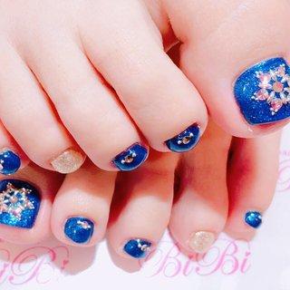 #冬 #オールシーズン #パーティー #デート #フット #ラメ #ワンカラー #ビジュー #ノルディック #ミディアム #ブルー #ネイビー #シルバー #ペディキュア #お客様 #sweet nail BiBi #ネイルブック