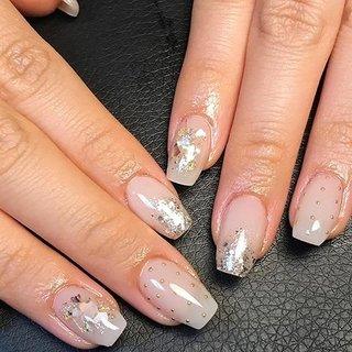 ▪︎Clear White & Nuance art▪︎ 全体にクリアなホワイトで透明感を出してシェルやスタッズでニュアンスアート。  元々は反り爪さんなのですが、全く反り爪とは分からない様にベースジェルでフォルムを正して艶やかに仕上げています💅  反り爪さんにはただジェルを塗るだけでは綺麗には仕上がりませんし、モチも悪くなります💦  フィルインを続けて爪も丈夫になられました✨  #nails#nailart#nuancenail#ニュアンスネイル#クリアネイル#クリアホワイトネイル#シェルネイル#シアーネイル#カジュアルネイル#スクエアネイル#ラメネイル#ゴールドネイル#大人かわいいネイル#冬ネイル#大人ネイル#上品ネイル#スタッズネイル#反り爪#反り爪矯正#フィルイン一層残し#ネイル動画#フィルイン#kokoist#ココイスト#自宅ネイルサロン#美爪ネイル#美フォルムベース#西東京市ネイルサロン#田無ネイルサロン#田無 #オールシーズン #オフィス #デート #女子会 #ハンド #シェル #ニュアンス #ミディアム #ジェル #お客様 #YukariTsujimura #ネイルブック
