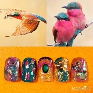 select artのご紹介 ミナミベニハチクイと言う 鳥を参考に🦜🦜🦜 緑とピンクがメインの デザインです🎨 カラフルで個性的なデザインが お好きな方にオススメの デザインです💐 ぜひ、お試しくださいませ🌈🌈 #ネイル#カラフルネイル#ショートネイル#ネイルデザイン#ネイルアート#名古屋ネイルサロン#名古屋ネイル#ネイル#アートネイル#ネイルサロン名古屋#nails#nailart#nailstagram#ファッションネイル#グリーンネイル#ピンクネイル#名古屋プライベートサロン#プライベートサロン名古屋#プライベートサロン#ちぐはぐネイル#ジェルネイル #jel#nails#art#artwork#painting#naildesign#drawing #madison#西区#上小田井 #秋 #冬 #オールシーズン #ハンド #ホログラム #ラメ #ワンカラー #フェザー #ショート #カラフル #ネオンカラー #ビビッド #ジェル #ネイルチップ #MADISON #ネイルブック