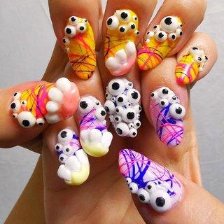 一見ハロウィン向けのネイルですが、お色味を変えて一年中モンスターネイルを楽しみませんか?   Qui?co-no Nails【キコノネイル】は年から年中ハロウィンネイル★  Qui? Co-no Nails is a Halloween nail all year round.   #nailart #artnail #痛ネイル #キャラクターネイル #キャラクター3dネイル #3dネイル #個性的 #個性的ネイル #手書き #手描き #ネイルサロン大阪 #ネイルサロン兵庫 #ネイルサロン西宮 #プライベートサロン #カウンセリング #カラフルネイル #派手ネイル #アニメネイル #ゲームネイル #quicononails #キコノネイル #paragel #pregel #オールシーズン #ライブ #ハロウィン #パーティー #ハンド #3D #デコ #ミディアム #ホワイト #カラフル #ネオンカラー #ジェル #ネイルモデル #ルン #ネイルブック