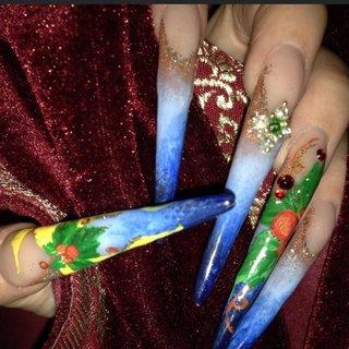 #冬 #クリスマス #ハンド #フレンチ #グラデーション #ビジュー #ニュアンス #バイカラー #スーパーロング #ベージュ #ブルー #カラフル #スカルプチュア #セルフネイル #Tomoko #ネイルブック