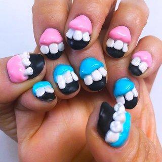 ちゃんと奥歯もあります!  インパクト重視ネイル💚💛💙   Tooth ! Tooth ! nails 🦷  歯歯歯歯歯〜ネイル 🦷   #nailart #artnail #痛ネイル #キャラクターネイル #キャラクター3dネイル #3dネイル #個性的 #個性的ネイル #手書き #手描き #ネイルサロン大阪 #ネイルサロン兵庫 #ネイルサロン西宮 #プライベートサロン #カウンセリング #カラフルネイル #派手ネイル #アニメネイル #ゲームネイル #quicononails #キコノネイル #paragel #pregel #歯ネイル #toothnails #オールシーズン #リゾート #ライブ #パーティー #ハンド #シンプル #痛ネイル #キャラクター #3D #ニュアンス #ショート #ピンク #水色 #カラフル #ジェル #ネイルモデル #ルン #ネイルブック
