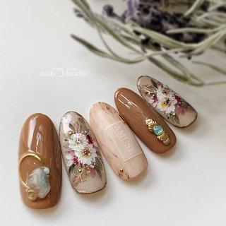 コンテスト用デザイン。グランプリ作品。 #フラワー #ボヘミアン #ベージュ #ブラウン #スモーキー #nails___blanche / yuka #ネイルブック
