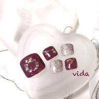 リースネイル #冬 #クリスマス #パーティー #デート #フット #ラメ #ピンク #ボルドー #スモーキー #ジェル #ネイルチップ #Vida #ネイルブック