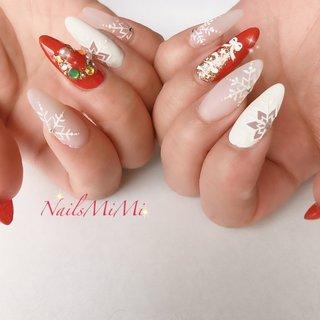 くり抜き雪の結晶 この時期だからこそクリスマスネイル💅 #クリスマスネイル #クリスマスリースネイル #クリスマスツリーネイル #雪の結晶 #くりぬき #冬 #ハンド #くりぬき #雪の結晶 #ロング #ホワイト #レッド #スカルプチュア #nails_mimi #ネイルブック