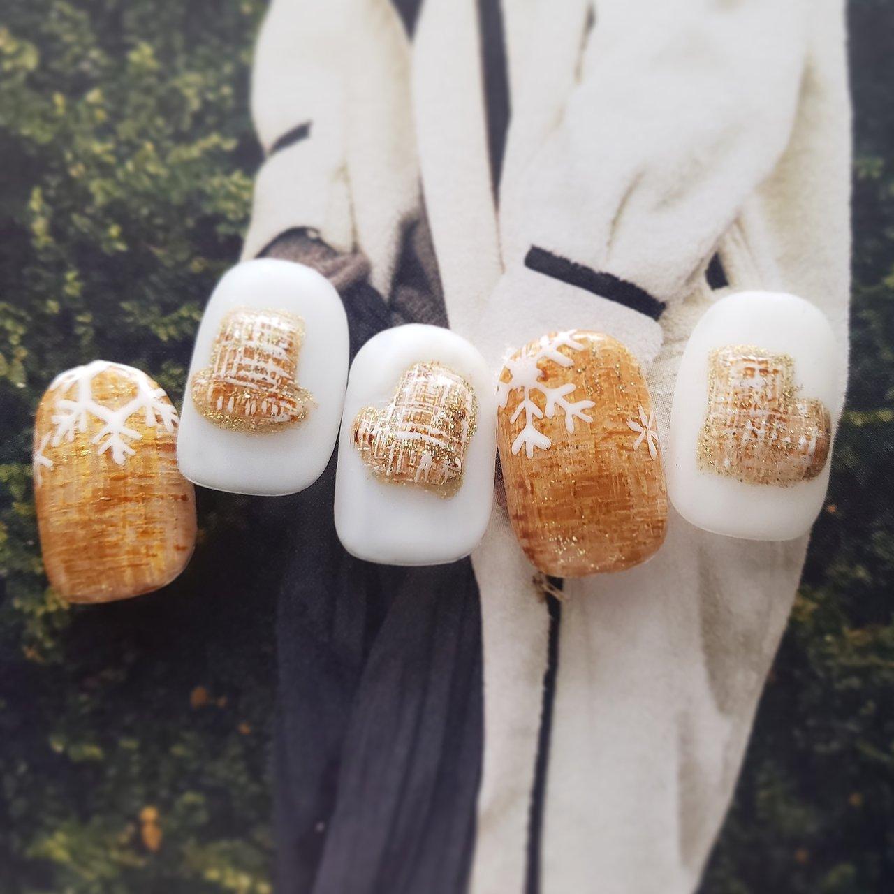 #冬 #ハンド #ワンカラー #3D #ツイード #ショート #ホワイト #ベージュ #ブラウン #ジェル #ネイルチップ #salondevivi_nail #ネイルブック
