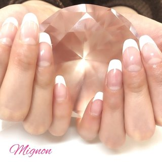 フレンチ 💅🏻 定番で人気のフレンチ シンプルですがとても上品でオシャレです✨ #オールシーズン #成人式 #バレンタイン #卒業式 #フレンチ #ホワイト #クリア #ジェル #お客様 #Mignon #ネイルブック