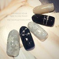 #冬 #パーティー #デート #女子会 #ハンド #ラメ #雪の結晶 #ミディアム #ブルー #シルバー #ジェル #ネイルチップ #Twinkle Star Akiko #ネイルブック