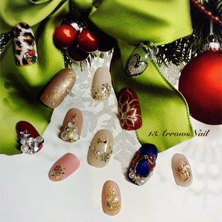 #クリスマスオーナメント #クリスマスツリー#クリスマスネイル#ポインセチアネイル #冬 #クリスマス #パーティー #ハンド #ビジュー #フラワー #雪の結晶 #ワイヤー #ミディアム #グリーン #モノトーン #カラフル #ジェル #ネイルチップ #13Arrows Nail #ネイルブック