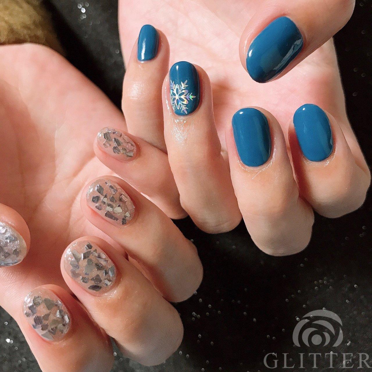 アシメネイル❤︎ポイントにオーロラスノークリスタル #nail#newnail#gelnail#nailart#Glitter#japan#hyogo#himeji#kakogawa#東加古川ネイルサロン#ネイルブック#nailbook#秋ネイル#冬ネイル#オトナ女子ネイル#美甲#ビジューネイル#スワロフスキー#クリスタル#オーロラ#キラキラネイル#ベラフォーマ#parajel#biojel#2019ネイル#Snow Crystal#アシンメトリーネイル ⬇︎LINEからお得情報配信しますのでお友達登録お願いします💕ご予約やご質問などもこちらからok✨ Line@➡︎ID【uml9218w】 ⬇︎ネイルブックからご予約の空き状況をご確認頂けます♡ (*ˊૢᵕˋૢ*)  ♡ネイルブック https://nailbook.jp/salon/17160  ♡Instagram http://instagram.com/glitter_yuka  ♡アメブロ http://ameblo.jp/glitter-8321/ ♡Twitter https://twitter.com/yk_glitter  ♡facebook https://m.facebook.com/glitter.nail.yk #冬 #クリスマス #パーティー #ハンド #シンプル #ワンカラー #雪の結晶 #ショート #ブルー #ネイビー #シルバー #ジェル #お客様 #Yukapon #ネイルブック