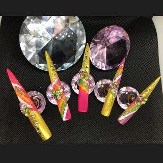 ピーコックとゴールドミラーパウダー使用 夏祭りや、海外旅行に行くなら💕💅  #夏祭り  #亜熱帯のイメージ  #ギャル  #キャバ嬢  #キャバ嬢ネイル #夏 #オールシーズン #ハンド #ピーコック #スーパーロング #ピンク #オレンジ #ゴールド #ジェル #ネイルチップ #lady soul's nails #ネイルブック