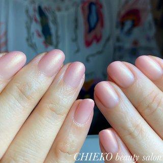 お爪も育ってカラーが映えます #育成 #大人ネイル #大人上品ネイル #オールシーズン #お正月 #バレンタイン #オフィス #ハンド #シンプル #グラデーション #ピンク #ゴールド #ジェル #お客様 #3chum #ネイルブック