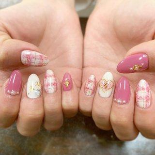 #チェック#ピンク #♡#ニット #秋 #冬 #お正月 #成人式 #ハンド #チェック #くりぬき #ホワイト #ベージュ #ピンク #BABYCROSS #ネイルブック