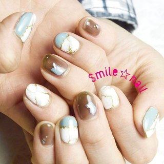 大田原定額ネイルサロン Smile☆nailのyukariです(*^^*) 12月のセレクトコースデザインです✨ セレクトデザインを楽しみにしてます❤️ とお声がけ頂くことが増えてきて嬉しい限りです😭 ご来店ありがとうございます😊 ☆,。・:*:・゚'☆,。・:*:・゚'☆,。・:*:・゚' HPはプロフィールのURLから☆ ご予約は#ネイルブック より 是非アプリをご利用下さい❤️ ☆,。・:*:・゚'☆,。・:*:・゚'☆,。・:*:・゚' ラクマでピアス ミンネでネイルチップを販売してます ٩( ᐛ )و  ネイルチップ→ミンネ https://minne.com/5116ykr (スマイルネイルで検索‼︎) ピアス→ラクマ https://fril.jp/shop/Smile_bijou (スマイルビジュー ネイリストで検索‼︎) ☆,。・:*:・゚'☆,。・:*:・゚'☆,。・:*:・゚' #smilenail #スマイルネイル #大田原市ネイルサロン #大田原市ネイル #大田原ネイルサロン #大田原ネイル #大田原定額ネイル #那須塩原ネイル #那須塩原ネイルサロン #ネイルサロン #西那須野ネイルサロン #お洒落ネイル #個性派ネイル #派手カワネイル #オーダーチップ #nailpic #美爪 #ミンネ #minne #nailbook #ネイリスト仲間募集 #ネイル好きな人と繋がりたい #大理石ネイル #天然石ネイル #ニュアンスネイル #オールシーズン #パーティー #デート #女子会 #ハンド #変形フレンチ #シースルー #大理石 #ショート #ブルー #ゴールド #スモーキー #ジェル #お客様 #Smile☆nail #ネイルブック