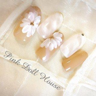 #Nailbook #ミディアム #ホワイト #ベージュ #pinkdollhouse_95457 #ネイルブック