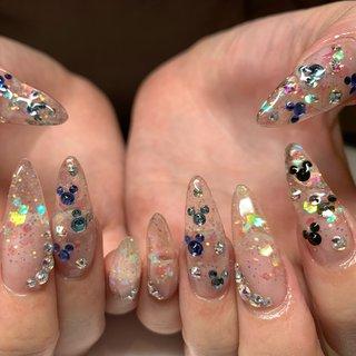 ❤︎ お誕生日はディズニーでお過ごしするお客様🎊 ホロ入りのクリアスカルプにカラフルにストーンで ミッキー乗せました!激かわすぎます🐭💓 #goodnails #shibuya #nails #nail #nailsalon #gelnail #footnail #sculpture #nailart #nailstagram #insta nail #new nail #nailist #2019ネイル #フットネイル #おまかせネイル #スカルプチュア #手描きネイル #渋谷 #渋谷サロン #渋谷ネイルサロン #ミッキーネイル #ディズニーネイル #オールシーズン #ハンド #ホログラム #キャラクター #スーパーロング #スカルプチュア #JURI #ネイルブック