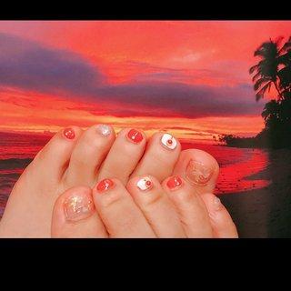 オレンジカラーネイル #フットジェル #オレンジカラー #シェル埋め込み #オールシーズン #リゾート #ハロウィン #女子会 #フット #シンプル #ラメ #シェル #エスニック #ボタニカル #ショート #ホワイト #オレンジ #シルバー #ジェル #お客様 #kana #ネイルブック